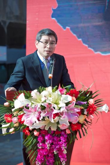 4、SK集团大中华区总裁孙子强先生出席发车仪式现场动并致辞