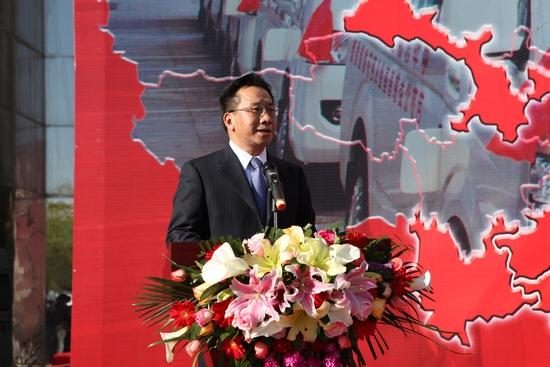 9、云南省副省长、民建云南省委主委高峰代表受助地区致辞