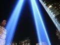 """美国纽约点亮光柱纪念""""9·11""""恐袭16周年"""