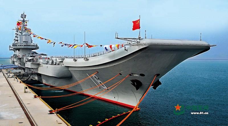 2012年9月25日,中国首艘航空母舰辽宁号正式交接入列。