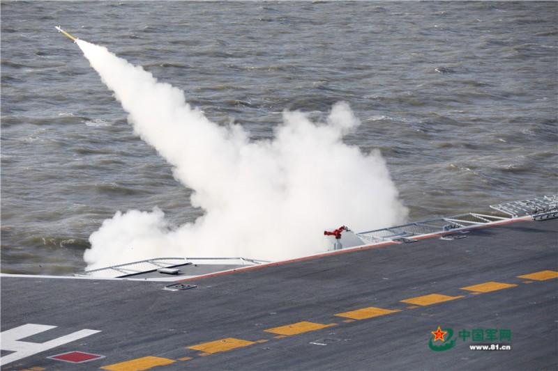舰空导弹发射,拦截空中目标。张凯摄影