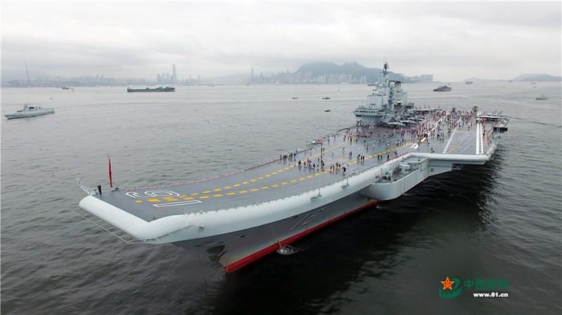 辽宁舰向公众开放。曾涛摄影