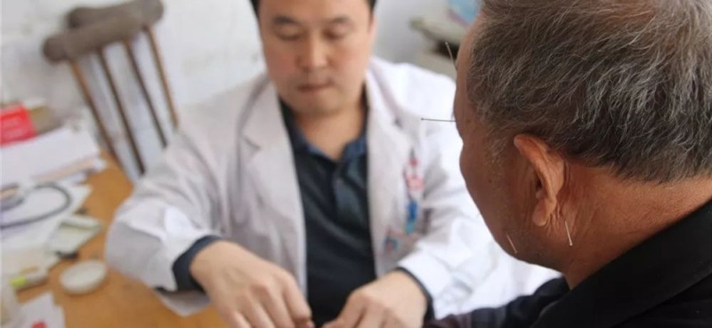 精湛的医术,为许许多多的患者解除了痛苦。