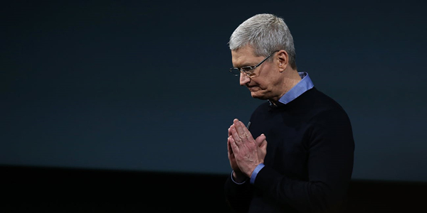 cupertino-ca---march-21--apple-ceo-tim-cook-speaks-during-an-apple-special-event-at-the-apple-head_副本