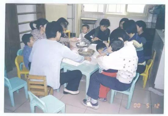 """20年母愛讓自閉癥少年成""""中國畢加索"""""""